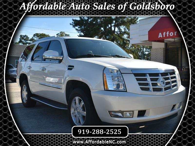 Cadillac Escalade AWD 4dr Base 2011