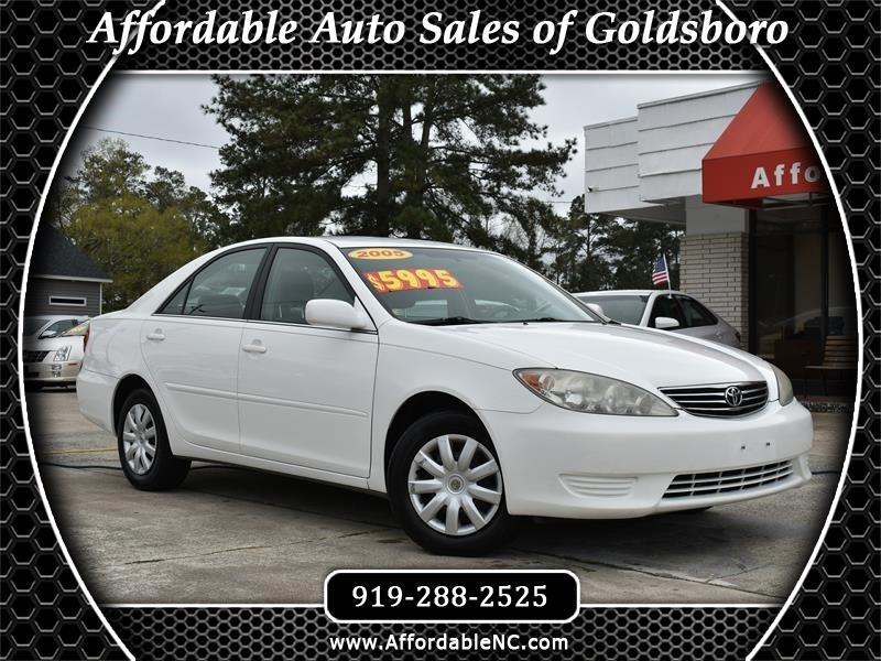 Toyota Camry 4dr Sdn LE Auto 2005