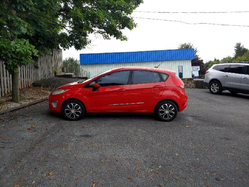 Ford Fiesta SE Hatchback 2012