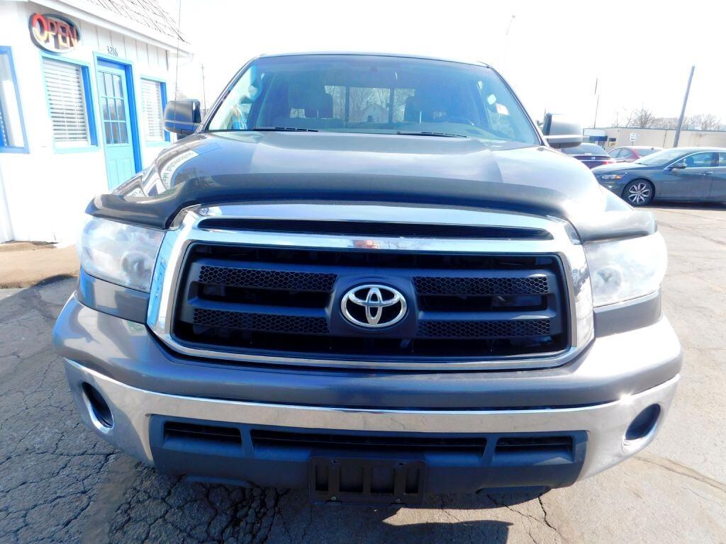 Toyota Tundra Tundra-Grade Double Cab 4.6L 4WD 2011