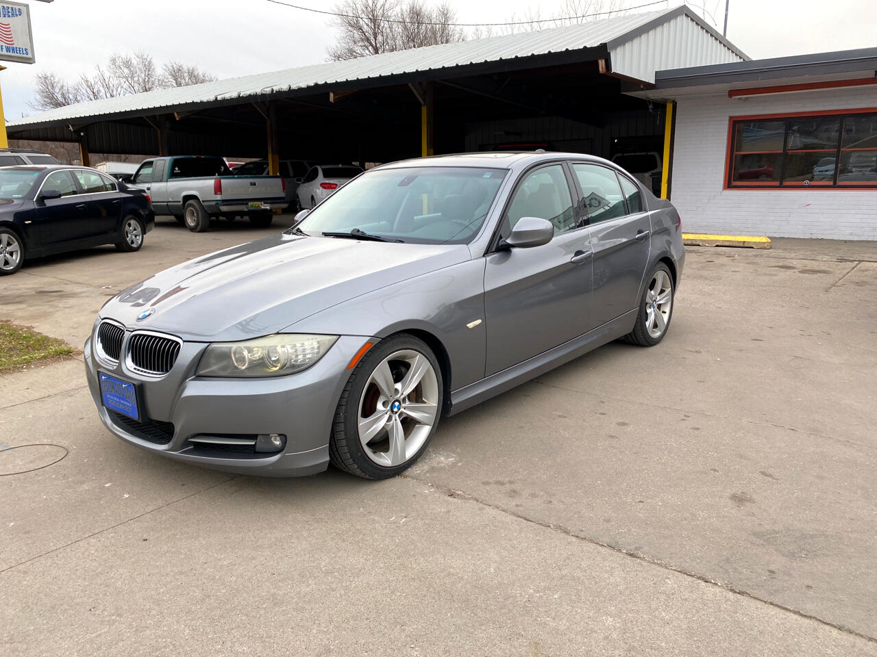 BMW 3 Series 4dr Sdn 335i RWD South Africa 2009