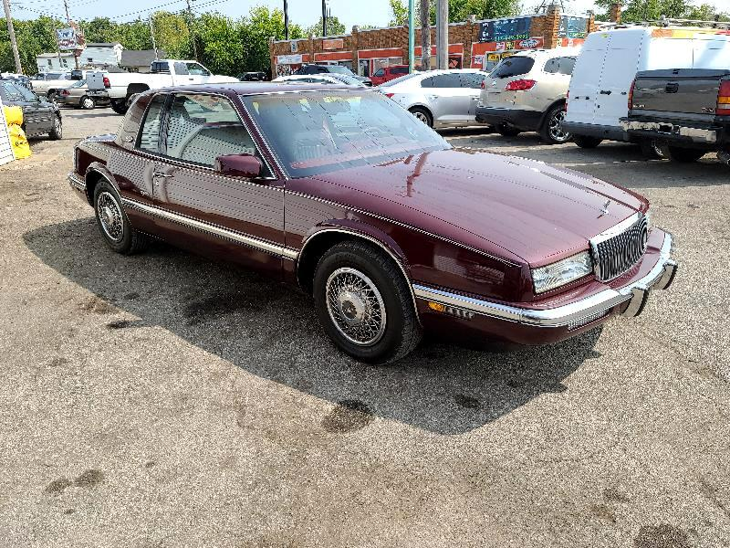 Buick Riviera Coupe 1991