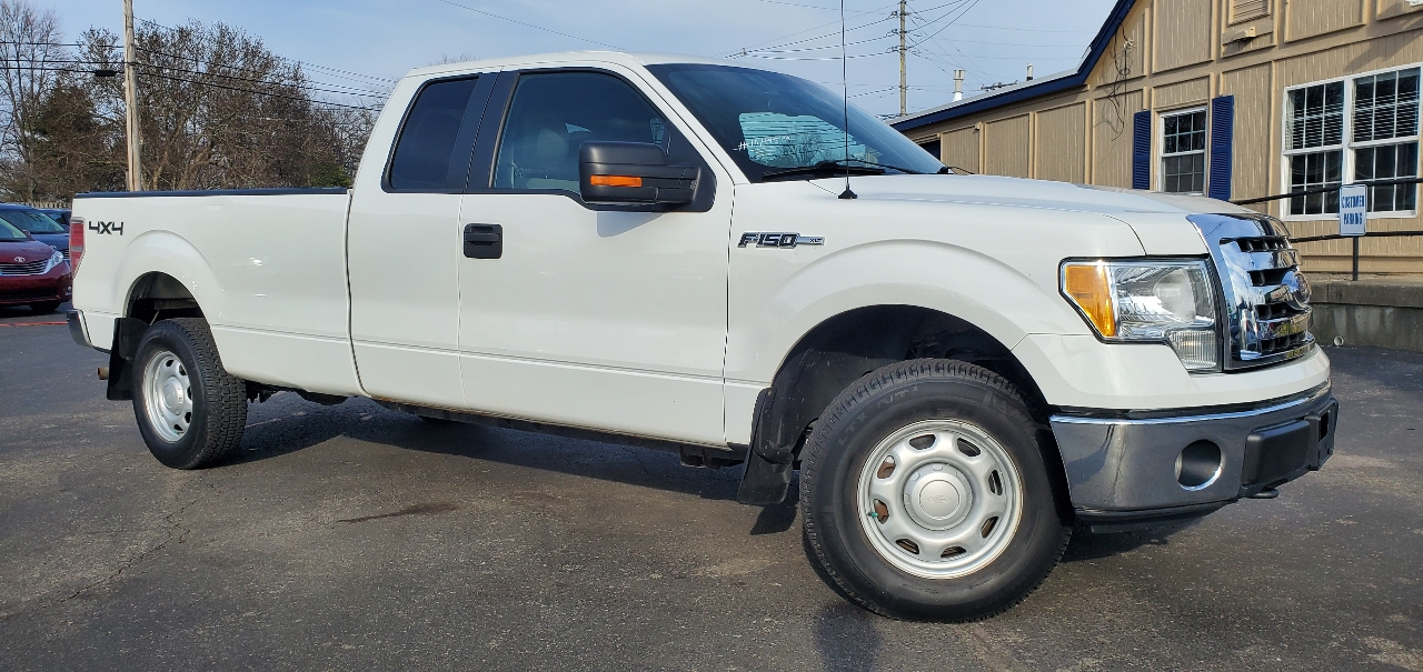 "Ford F-150 4WD SuperCab 163"" XLT w/Mid-Box Prep 2010"