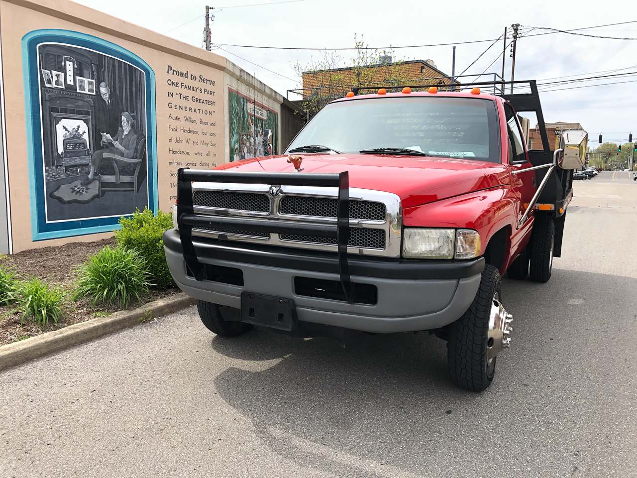 "Dodge Ram BR3500 139"" WB, 60"" CA DRW 4WD 1997"