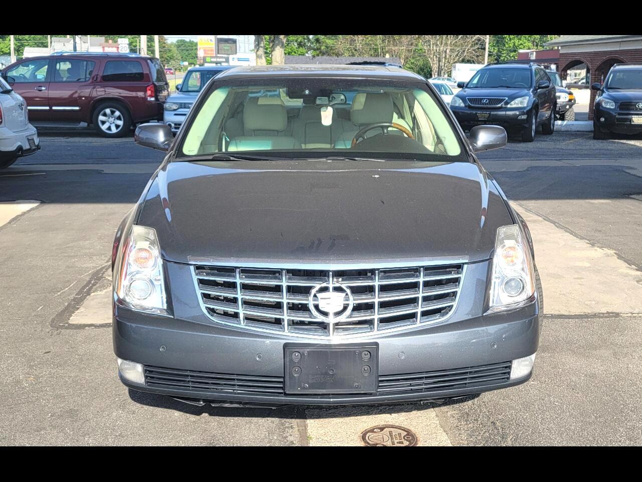 Cadillac DTS Platinum w/ Navi 2010