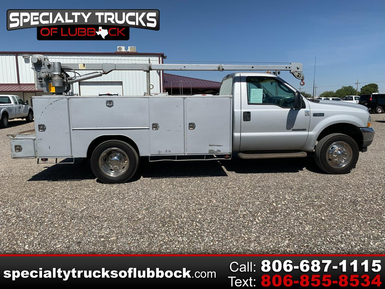 "Ford Super Duty F-550 DRW 2WD Reg Cab 165"" WB 84"" CA XL 2003"