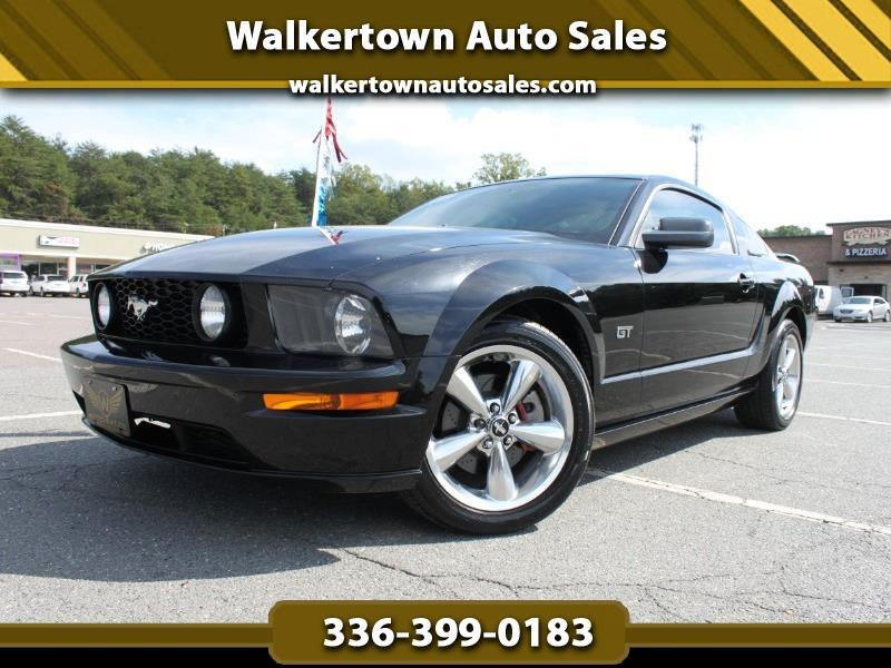 Ford Mustang 2dr Cpe GT Premium 2006