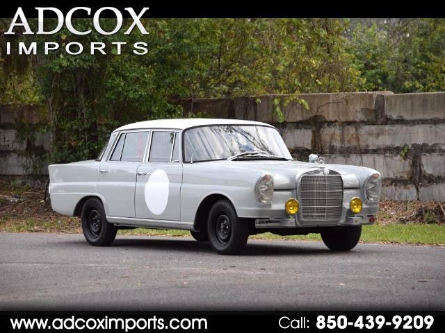 1960 Mercedes-Benz 220-Class Fintail