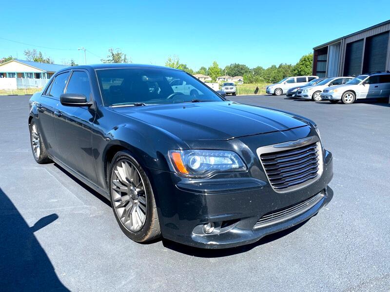 Chrysler 300 4dr Sdn 300C John Varvatos Luxury Edition RWD 2013