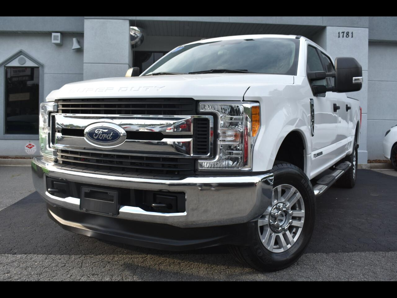 Ford Super Duty F-250 SRW XLT 4WD Crew Cab 8' Box 2017