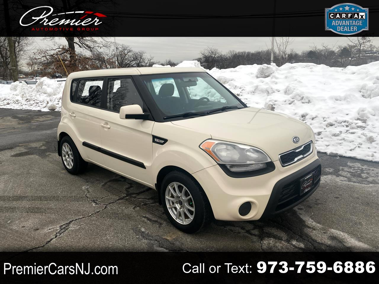 2012 Kia Soul BASE / 6-Speed