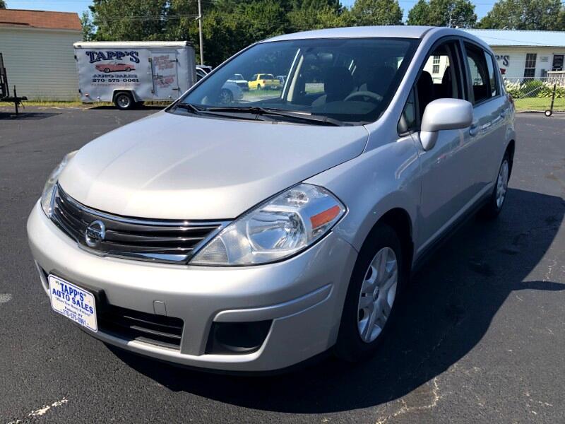 Nissan Versa 1.8 SL Hatchback 2011