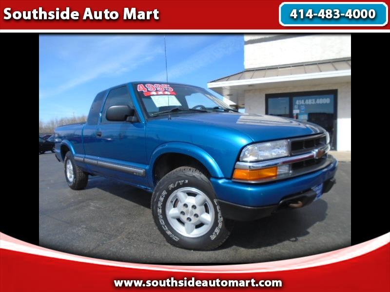 2001 Chevrolet S10 Pickup LS Ext. Cab 4WD