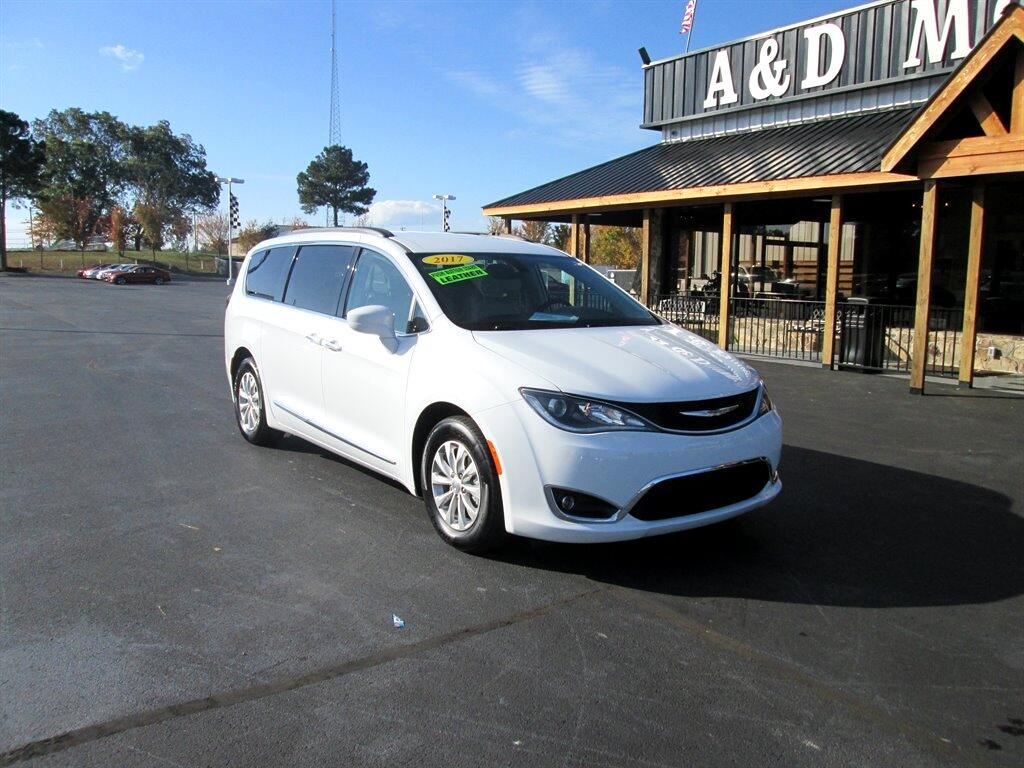 Chrysler Pacifica 4dr Wgn FWD 2017