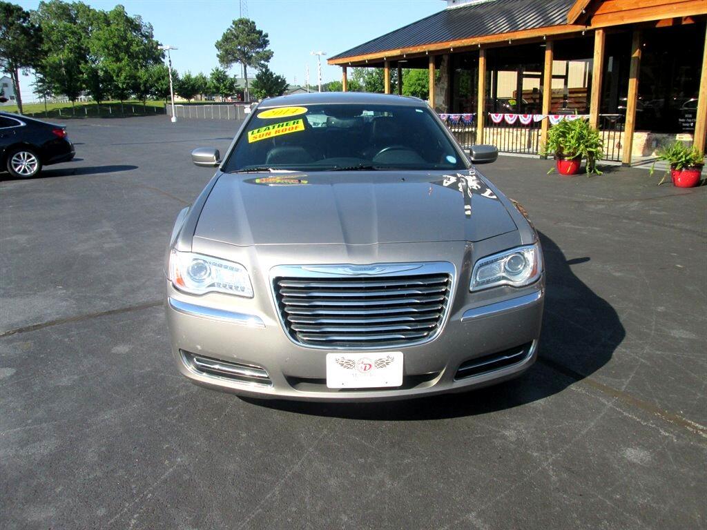 Chrysler 300 4dr Sdn RWD 2014
