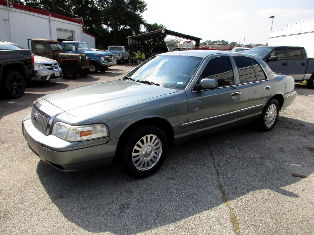 Mercury Grand Marquis 4dr Sdn LS Premium 2006