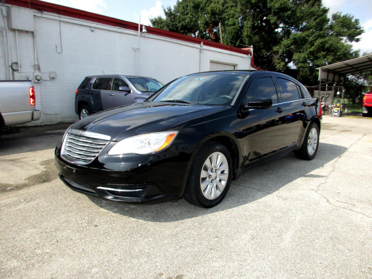 Chrysler 200 4dr Sdn LX 2014