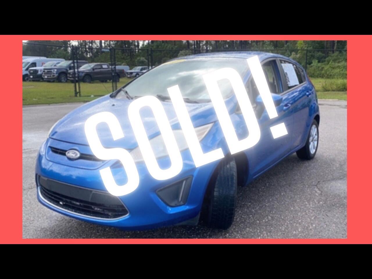 Ford Fiesta SE Hatchback 2011