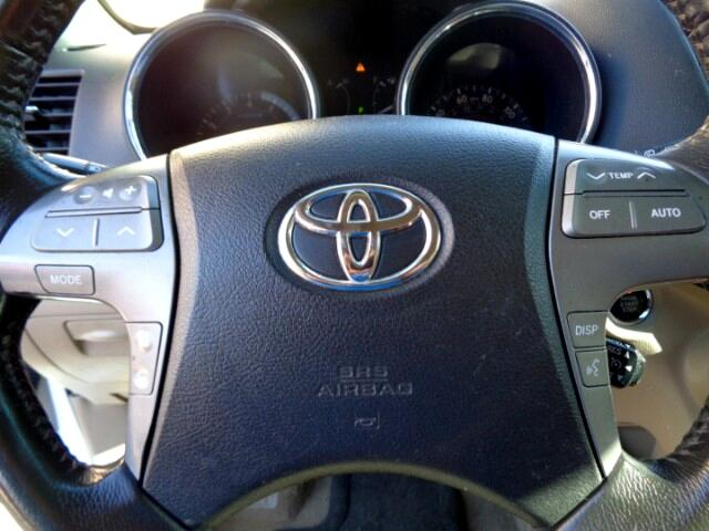 Toyota Highlander Limited 2WD 2009