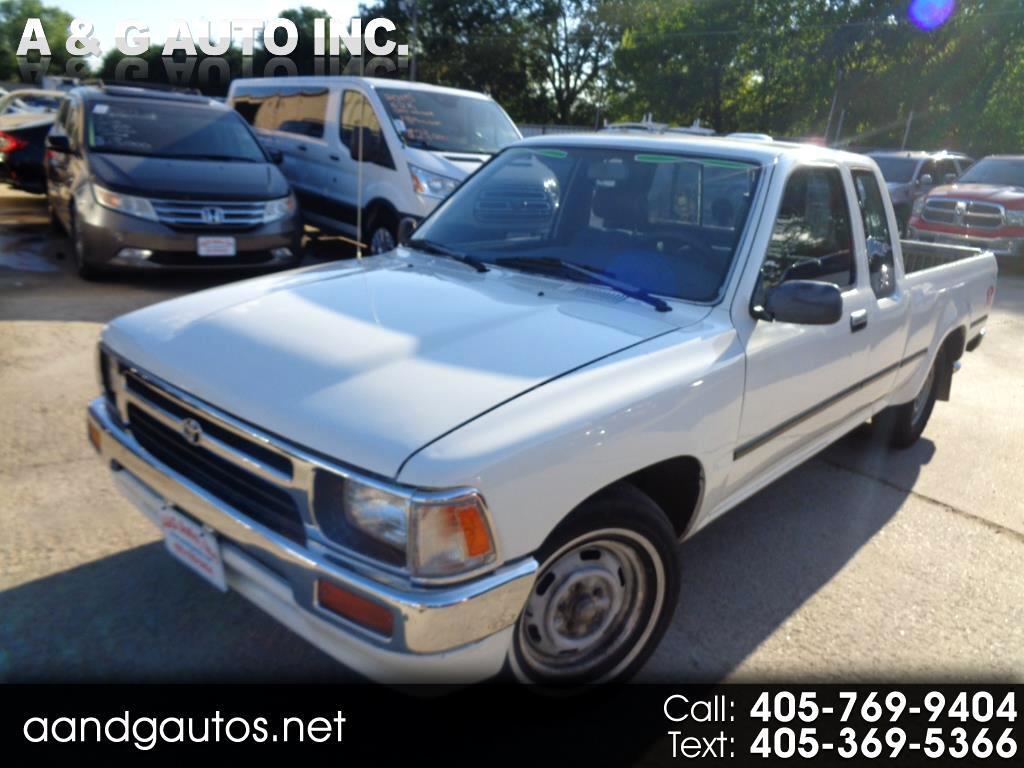 1995 Toyota Pickup DX Xtracab 2WD