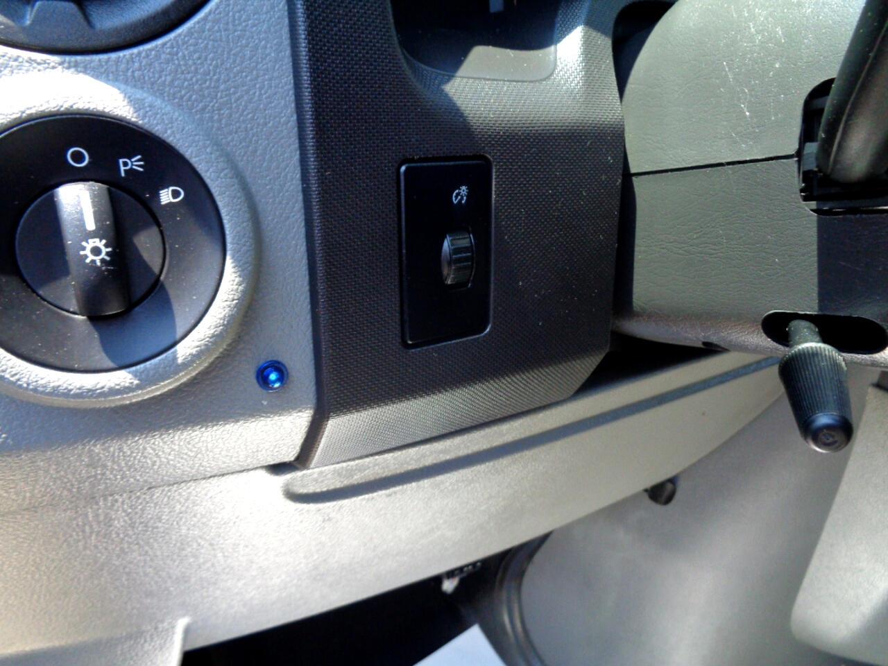 Ford Econoline E-250 2012