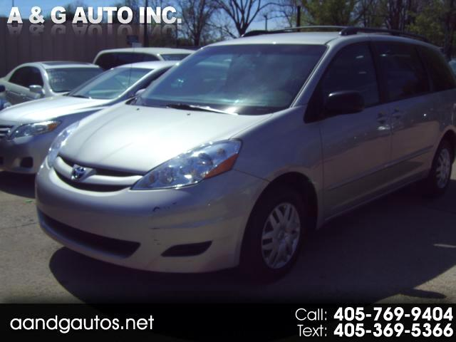 Toyota Sienna LE FWD 7 Passenger 2010