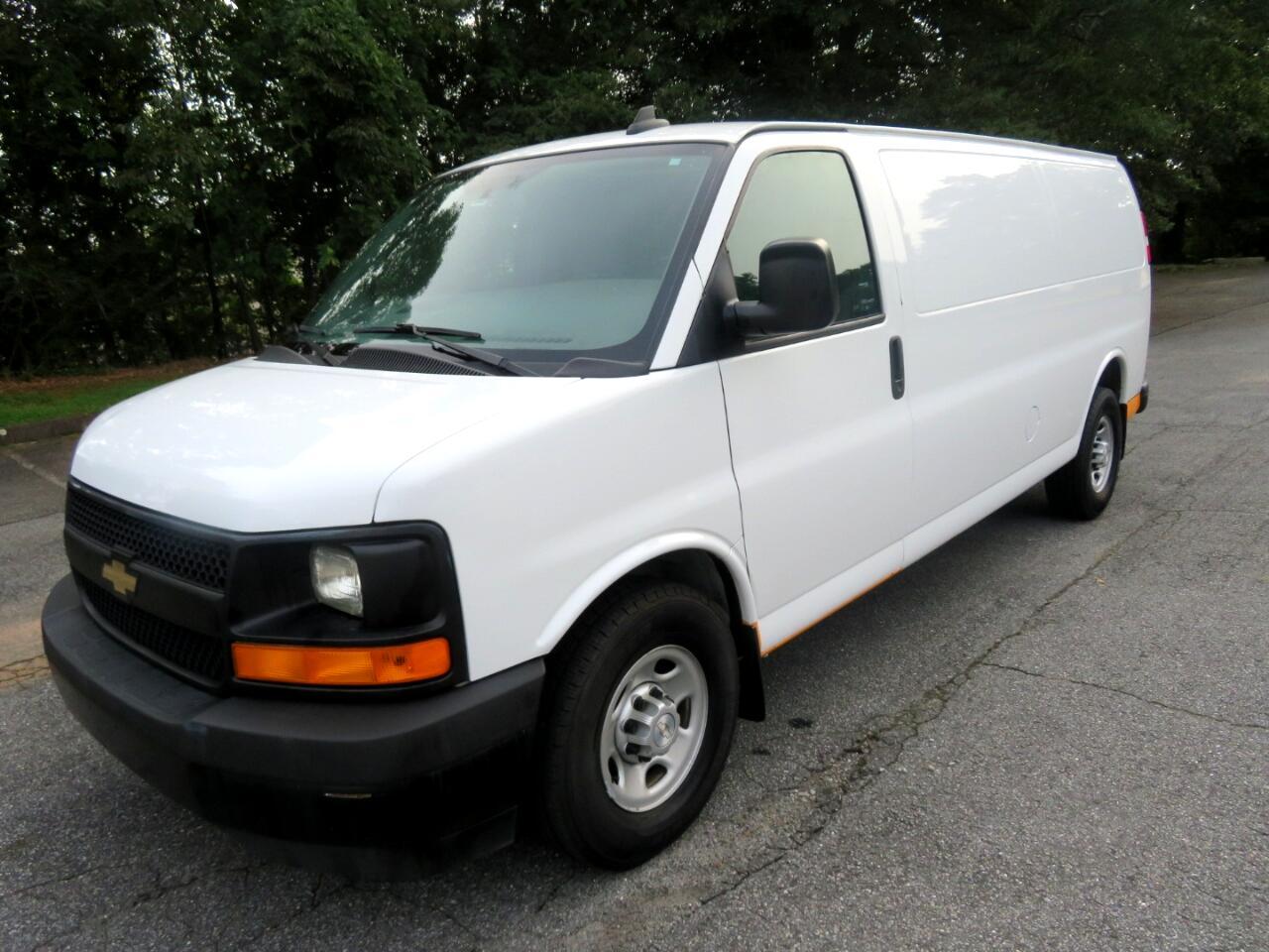 """Chevrolet Express Cargo Van RWD 3500 155"""" 2017"""