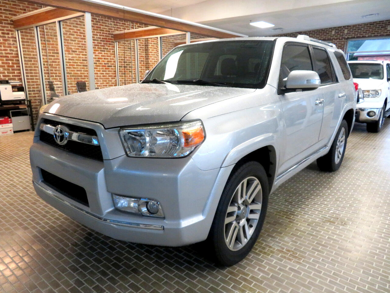 Toyota 4Runner 4WD 4dr V6 Limited (Natl) 2013