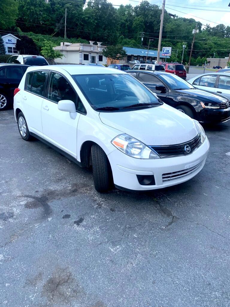 Nissan Versa 1.8 S Hatchback 2011