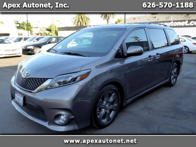 2015 Toyota Sienna SE w/ Preferred Package