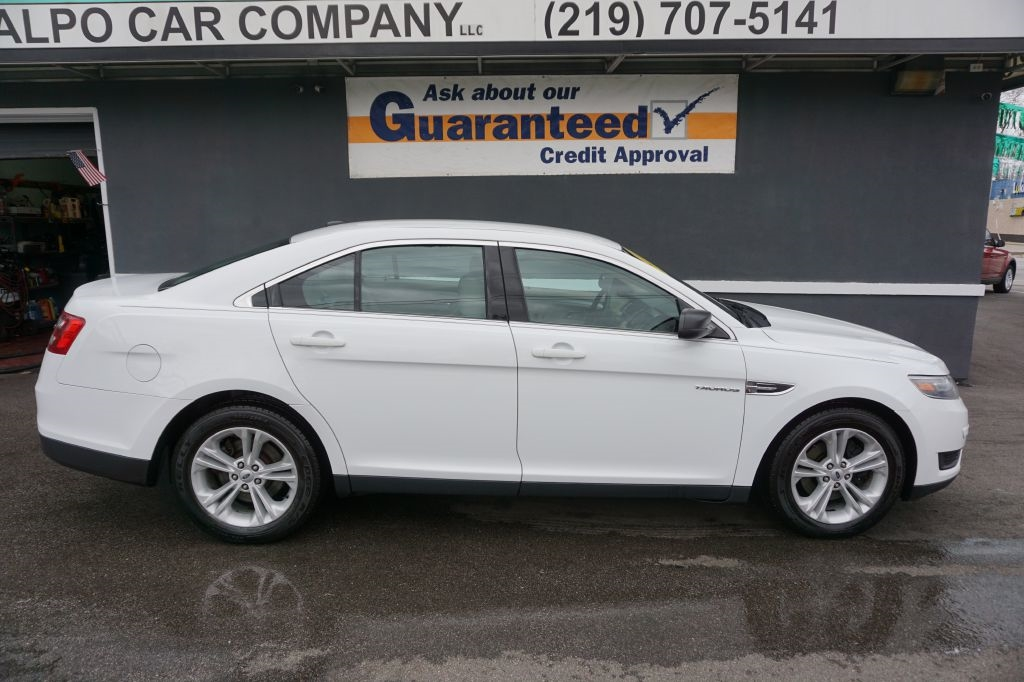 Ford Taurus 4dr Sdn SE FWD 2016