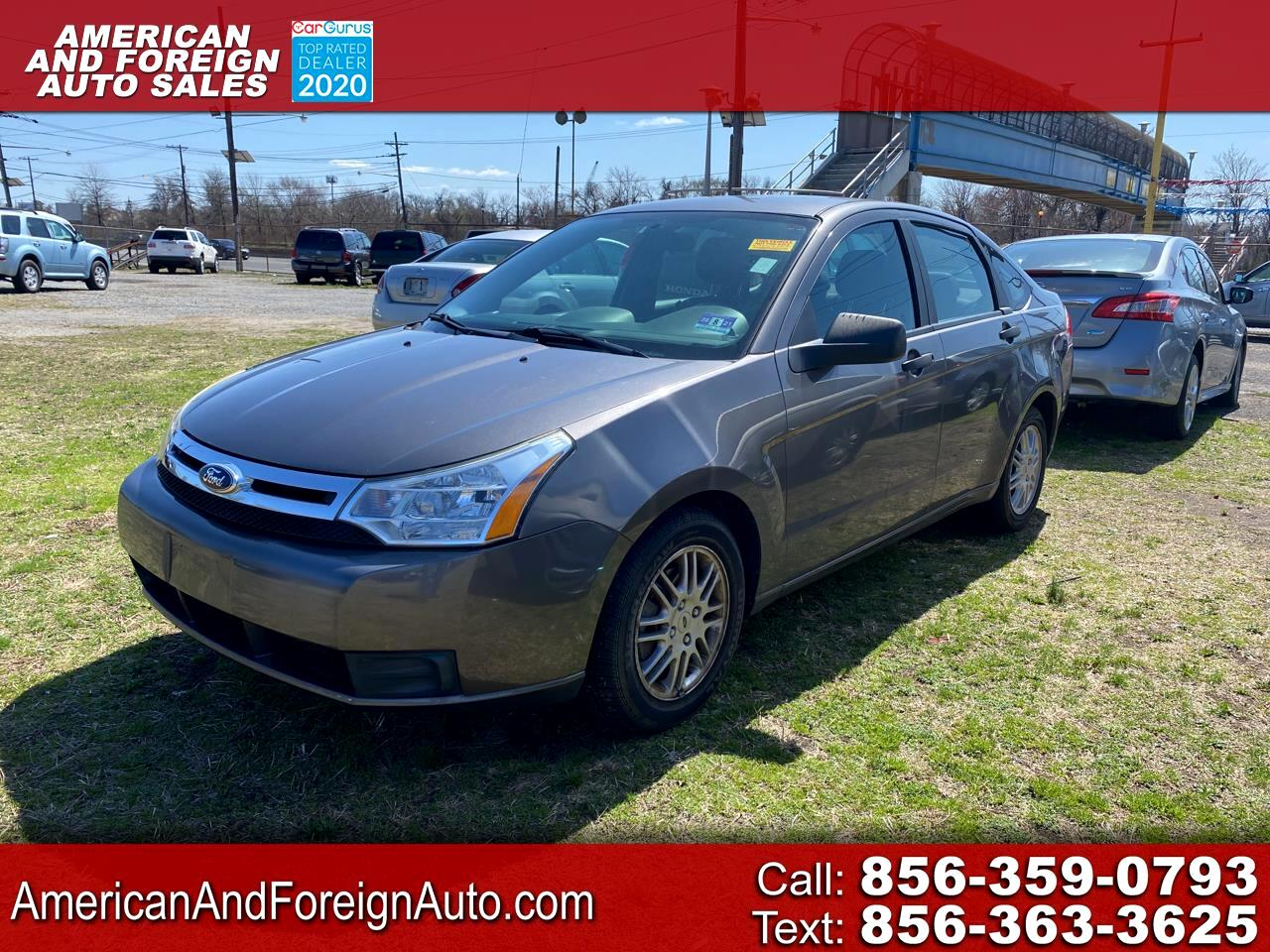 Ford Focus 4dr Sdn SE 2010