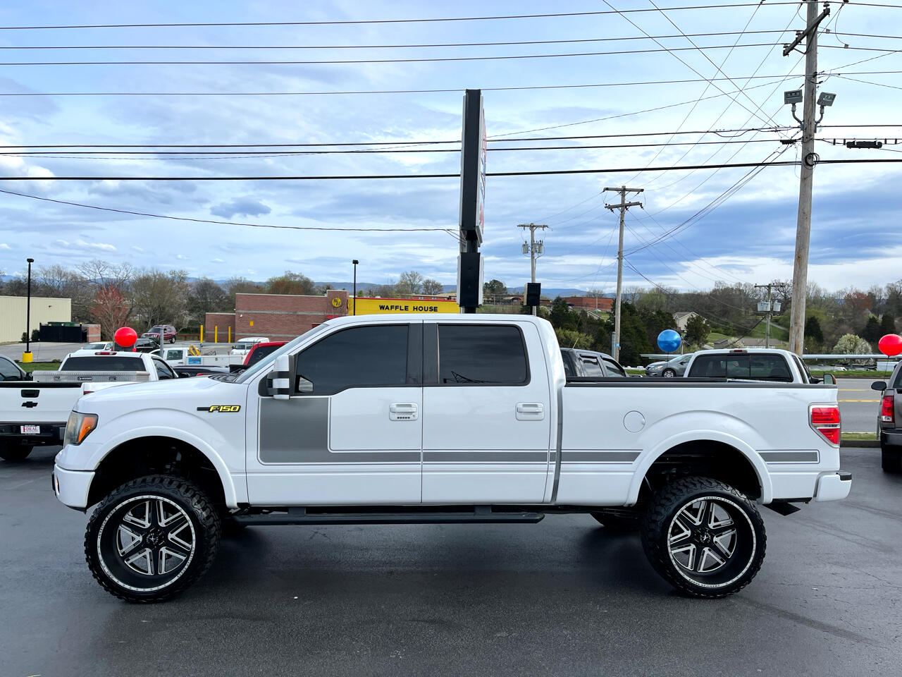 "Ford F-150 4WD SuperCrew 145"" XLT 2012"