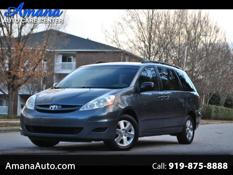 2008 Toyota Sienna 5dr 8-Pass Van LE FWD (Natl)