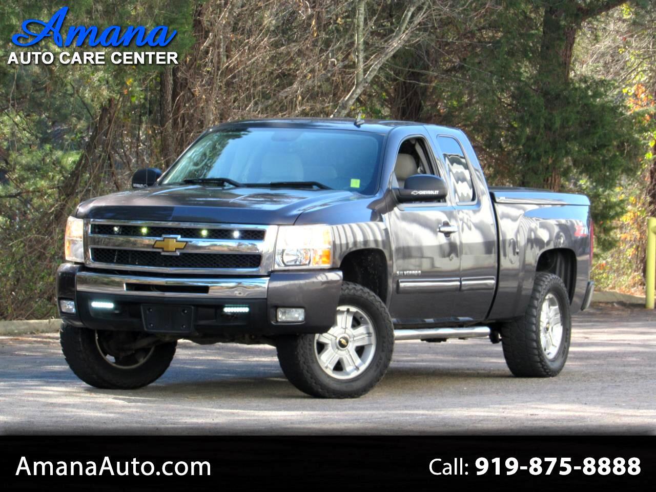 """Chevrolet Silverado 1500 2WD Ext Cab 143.5"""" LT 2011"""