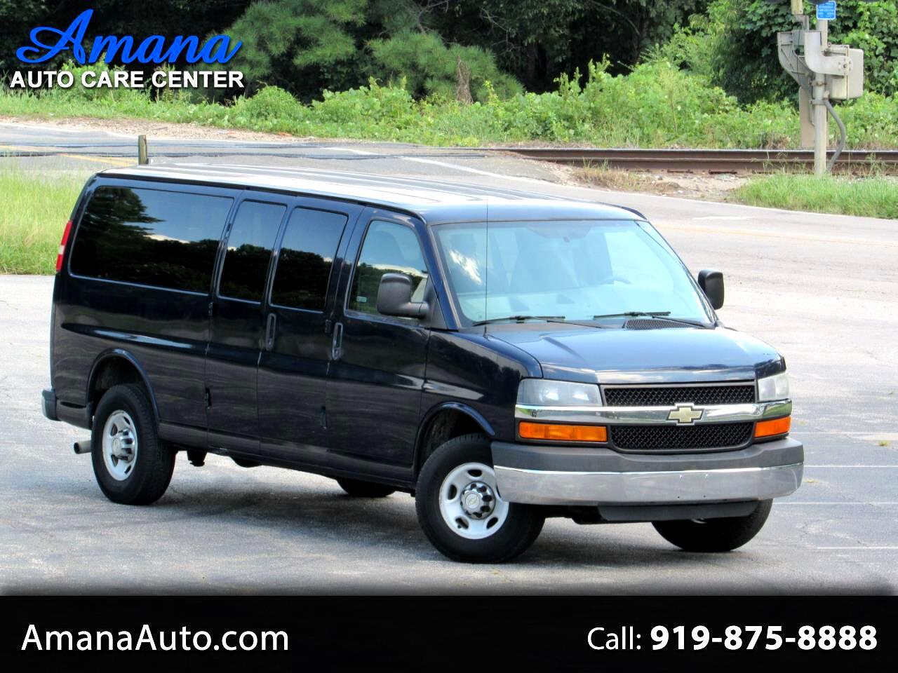 "Chevrolet Express Passenger RWD 3500 155"" LT w/1LT 2014"