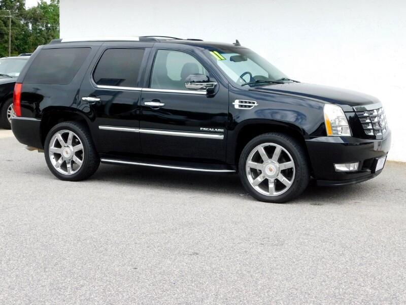 Cadillac Escalade 2WD Luxury 2011