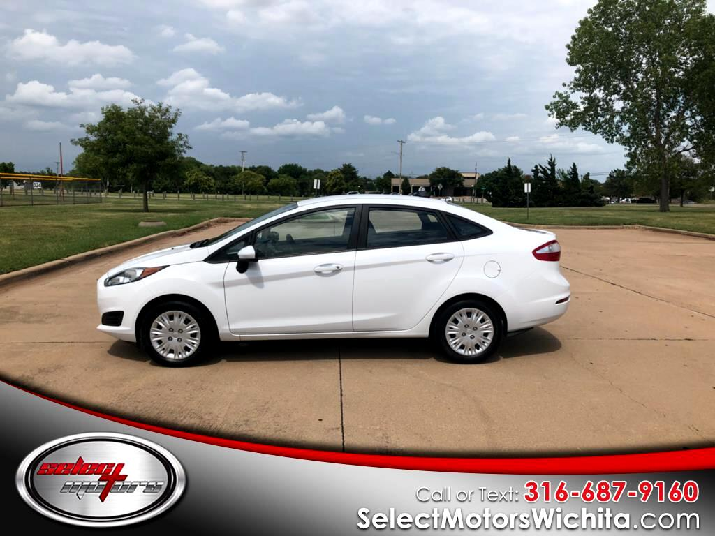 2014 Ford Fiesta 4dr Sdn S