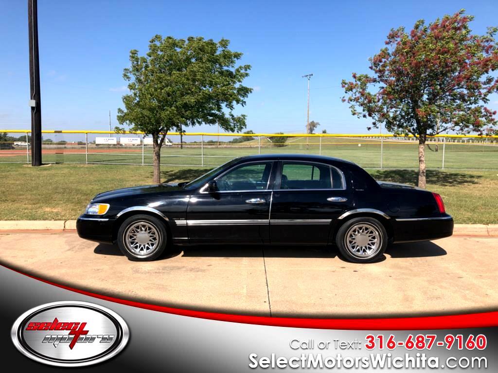 1998 Lincoln Town Car 4dr Sdn Signature