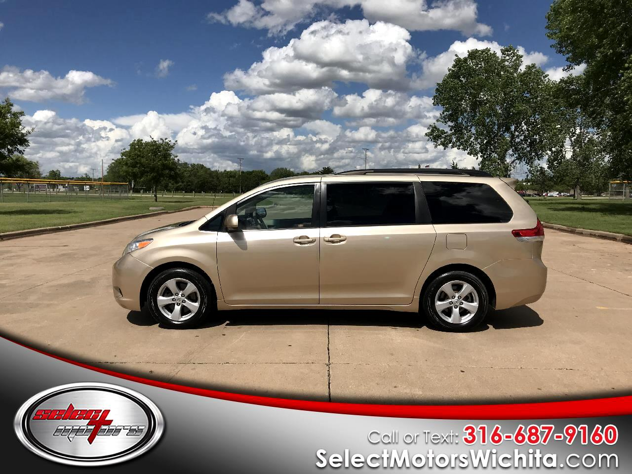 2014 Toyota Sienna 5dr 8-Pass Van V6 LE FWD (Natl)