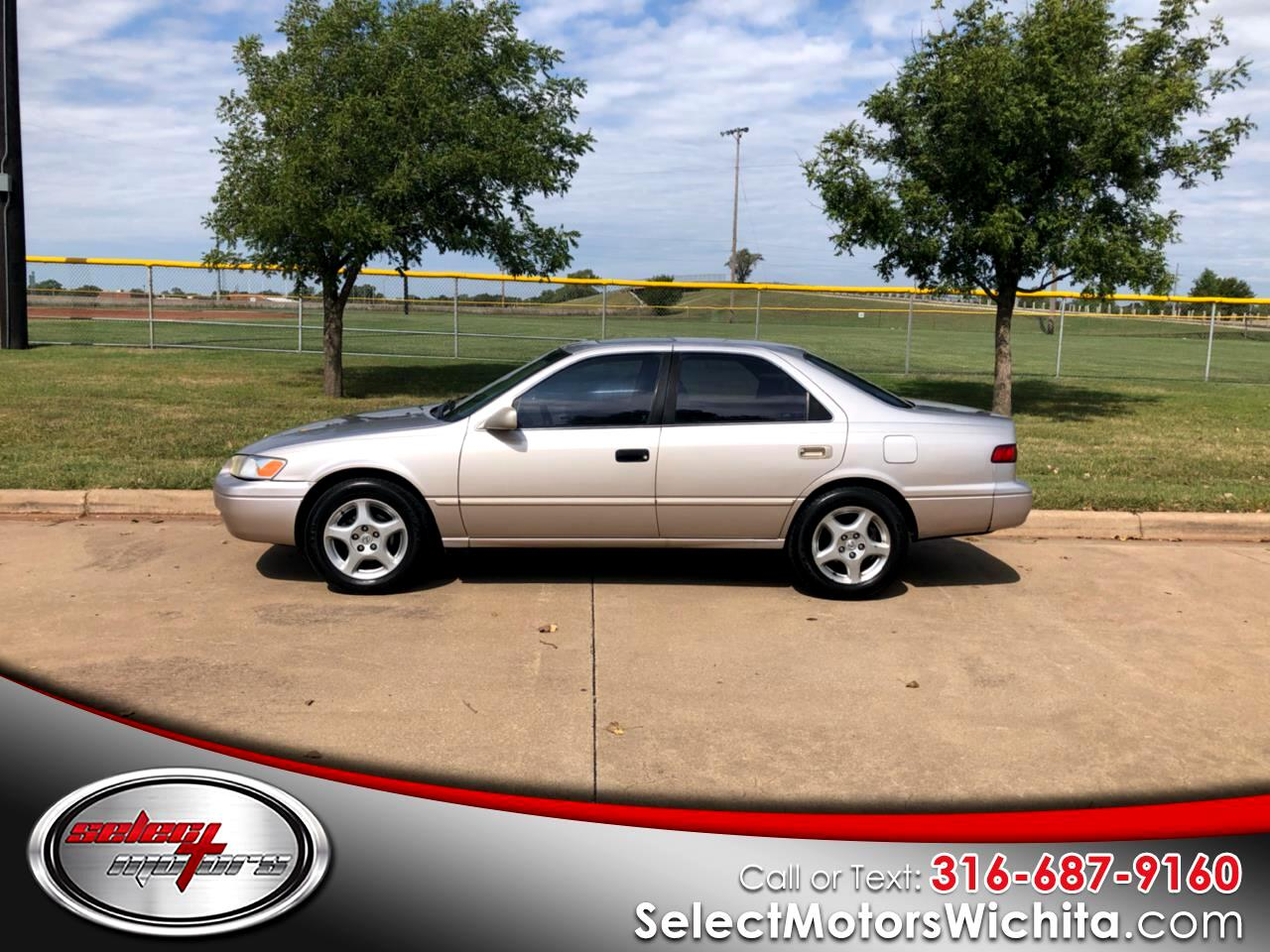 1998 Toyota Camry 4dr Sdn XLE V6 Auto