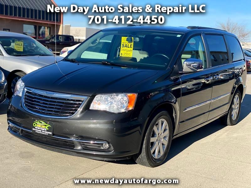 Chrysler Town and Country  2011