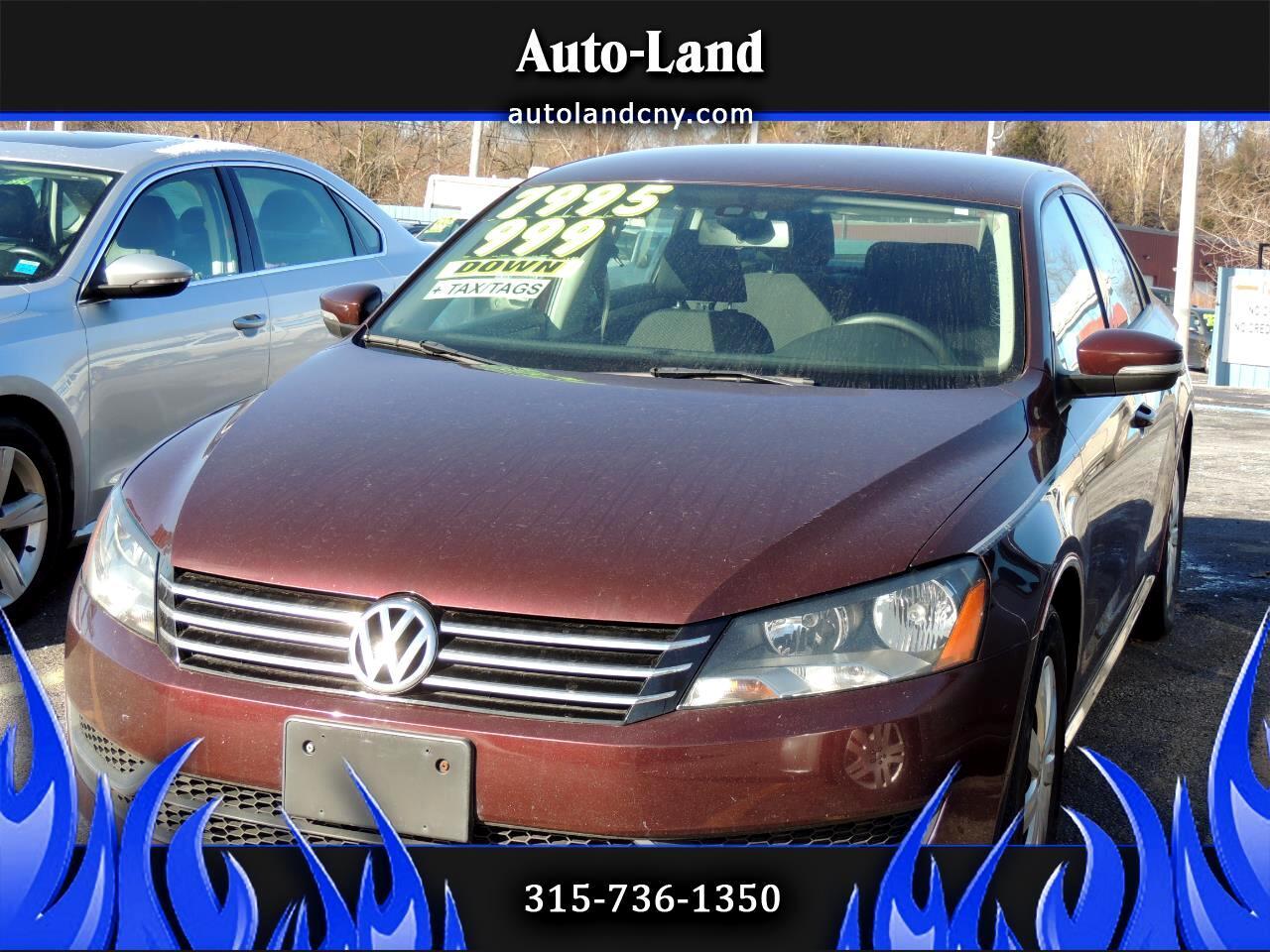 Volkswagen Passat 2.5L S W/Appearance 2013