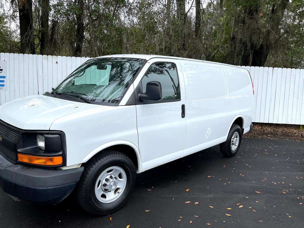"""Chevrolet Express Cargo Van RWD 2500 135"""" 2014"""