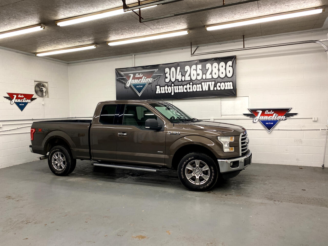 """Ford F-150 4WD SuperCab 145"""" Lariat 2016"""