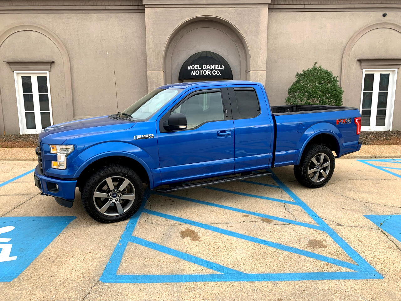 "2016 Ford F-150 4WD SuperCab 145"" FX4"