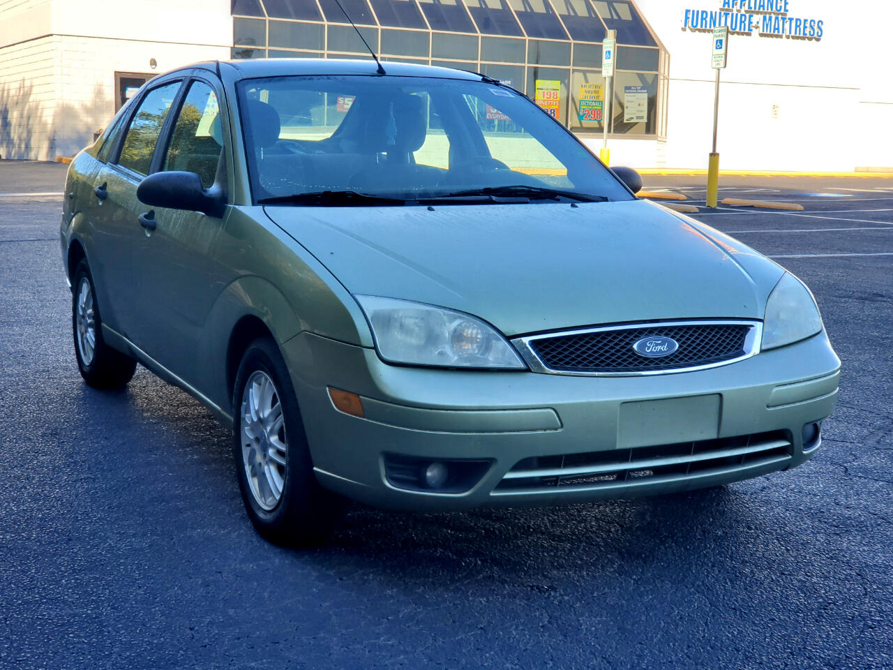 Ford Focus 4dr Sdn SE 2007