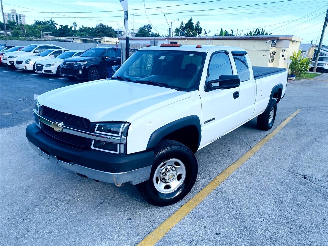 """2004 Chevrolet Silverado 2500HD Ext Cab 157.5"""" WB Work Truck"""