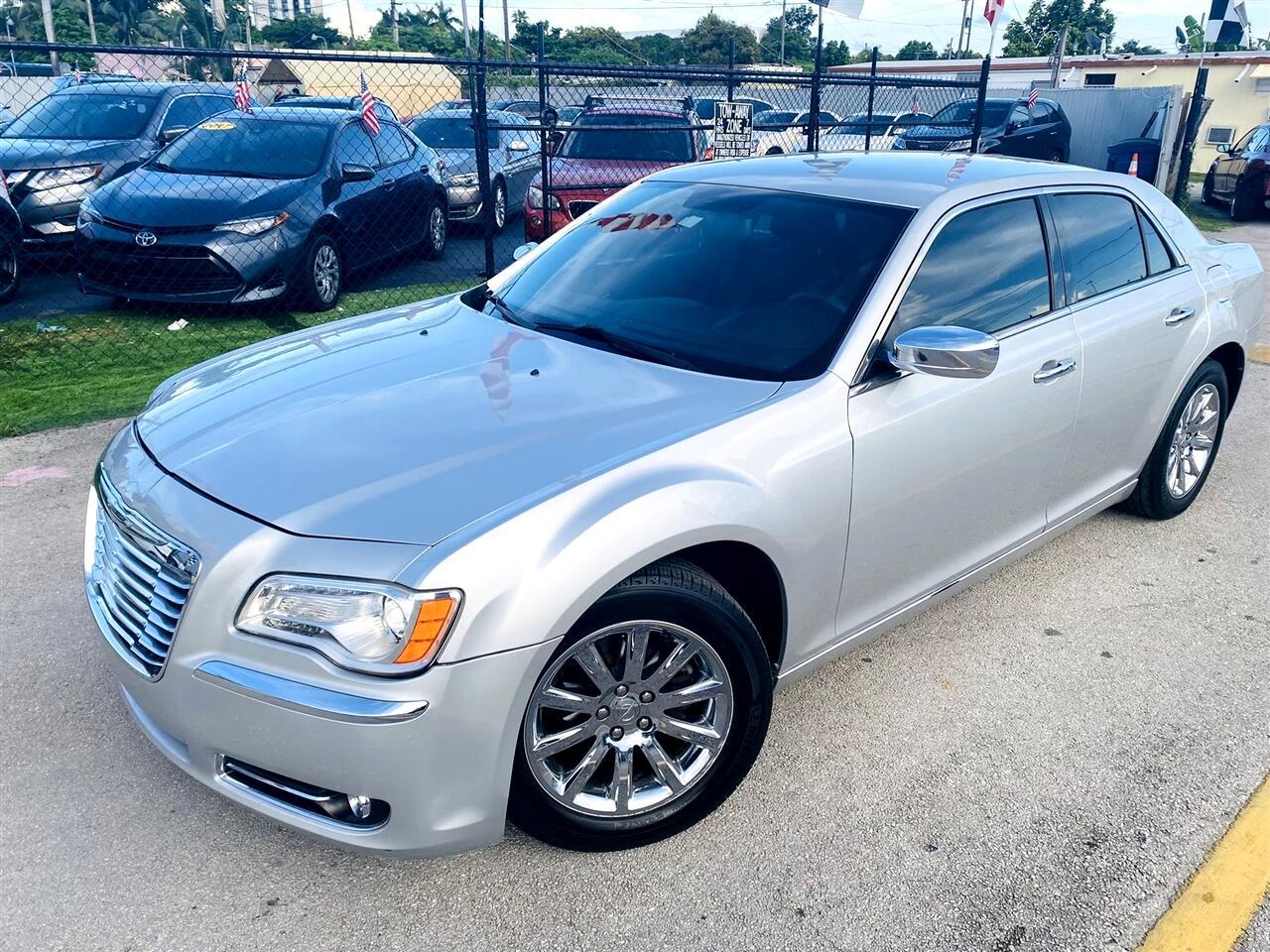 2012 Chrysler 300 4dr Sdn V6 Limited RWD