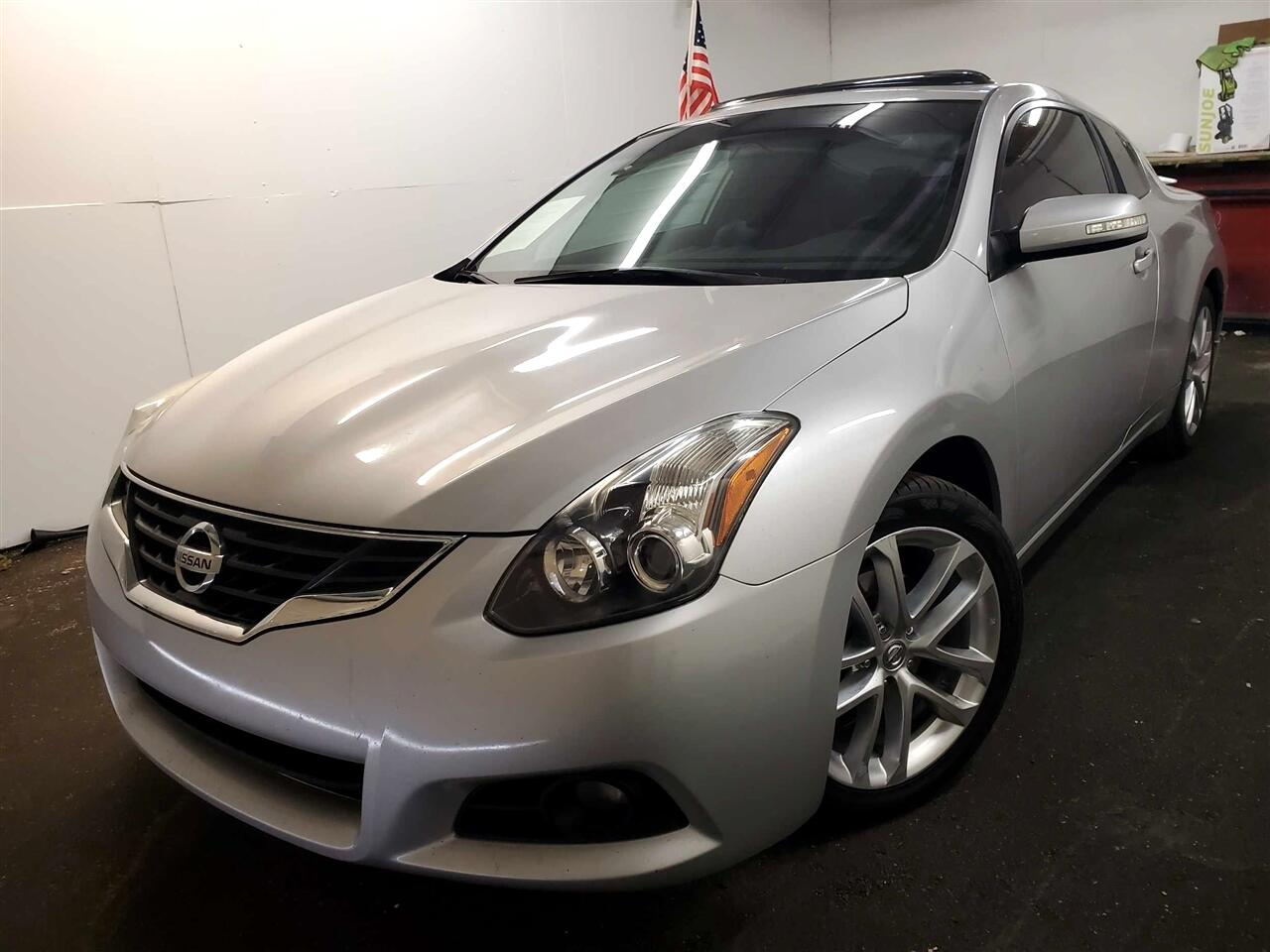 Nissan Altima 3.5 SR CVT Coupe 2011